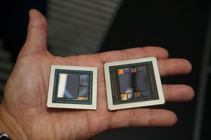 좌) HBM2 RAM이 적용된 4GB 2스택 베가 코어 칩. 우) HBM RAM 1GB 4스택 AMD 피지 코어 칩.