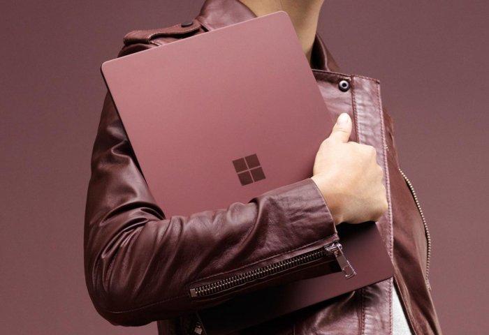 마이크로소프트 서피스 랩톱은 현재 시중에서 구매할 수 있는 유일한 윈도우 10 S 제품이다.
