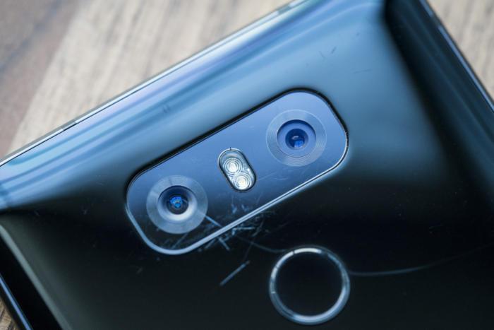 LG G6는 많은 카메라를 대상으로 성능 테스트를 거쳐 승리를 차지한 명기다.