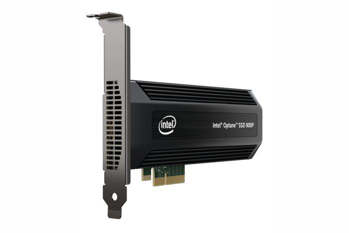 인텔 900P는 성능 증대를 위해 PCI 익스프레스 인터페이스를 사용했다.