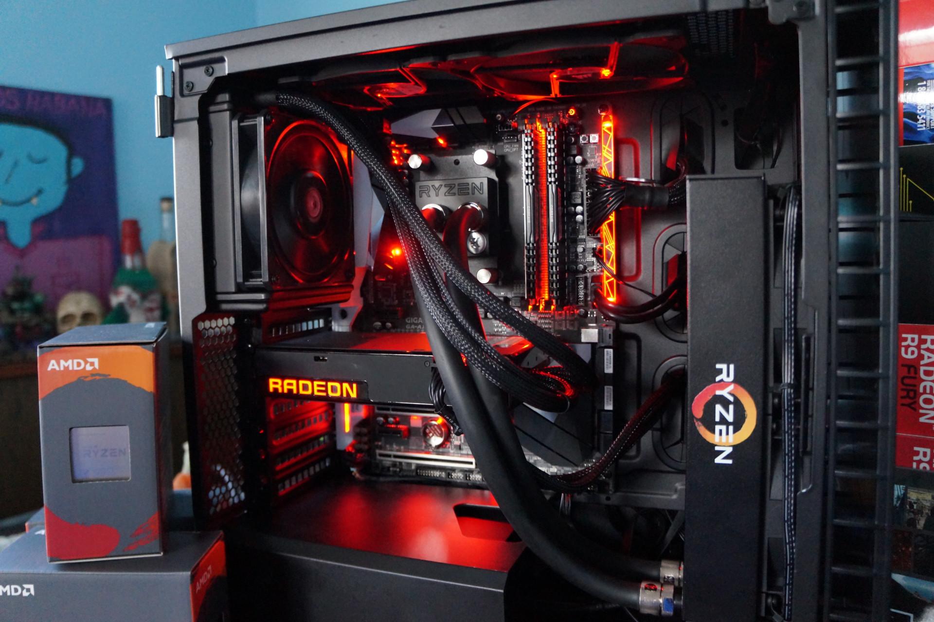 커세어의 Carbide 400C은 5.25인치 드라이브를 없애 강력한 하드웨어를 더 많이 집적할 수 있다.