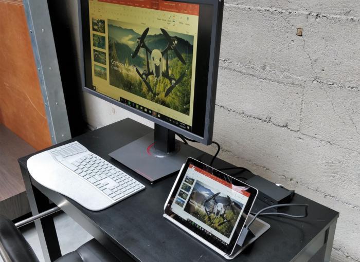 마이크로소프트의 작은 태블릿은 4K 디스플레이에 연결할 수 있다.