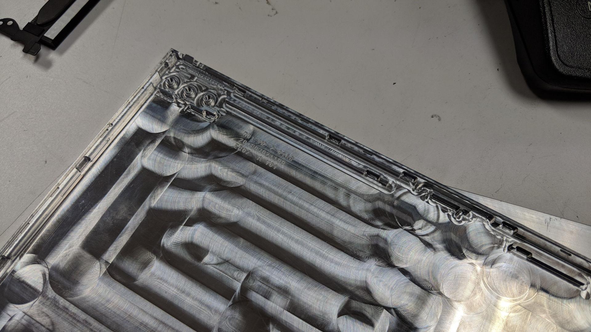 제피로스 S의 섀시는 이제 항공기에 사용하는 알루미늄으로 만든다.