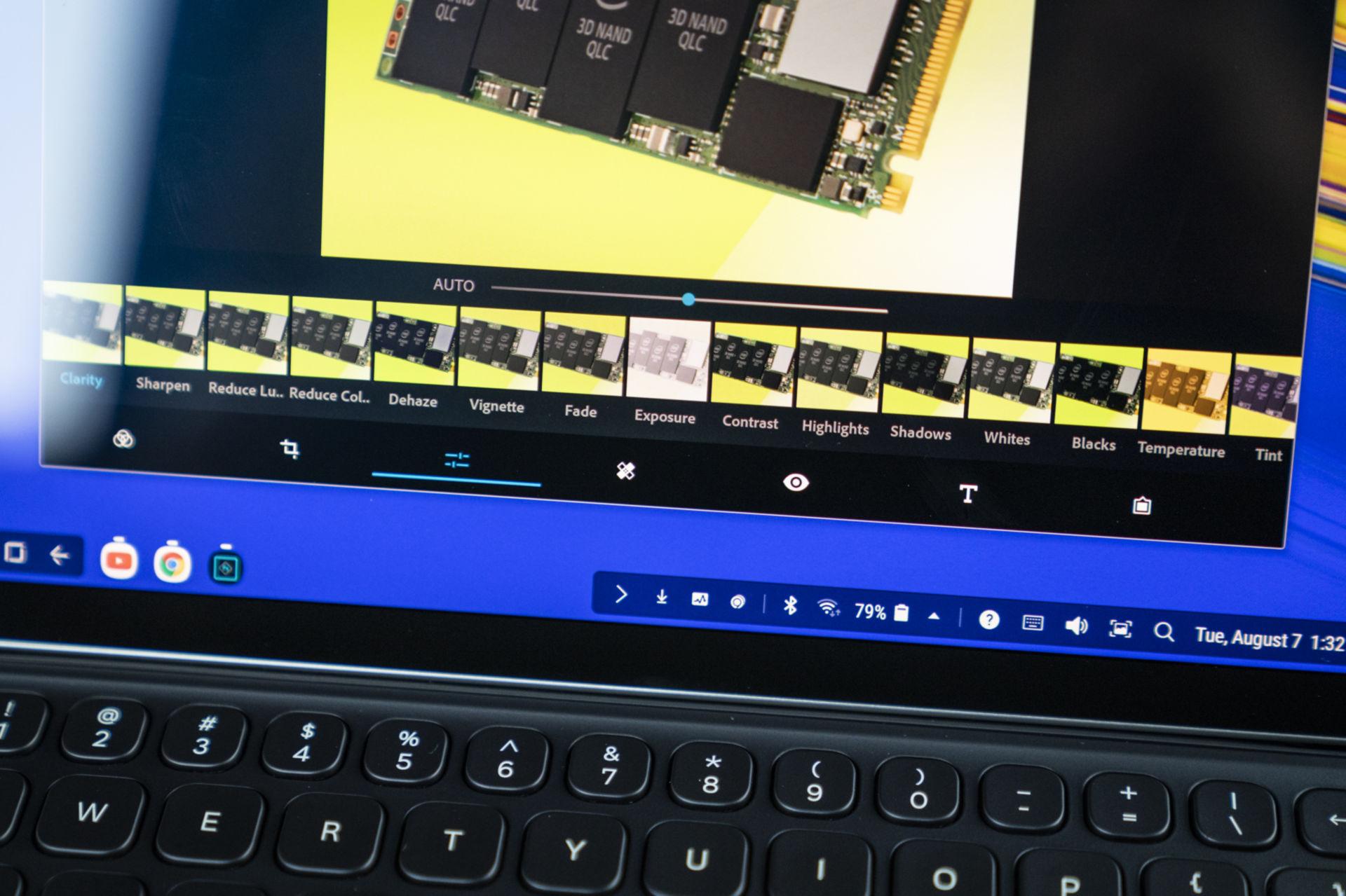 어도비 포토샵 익스프레스는 온전한 버전은 아니지만, 웹 퍼블리싱에 필요한 모든 툴을 제공한다.