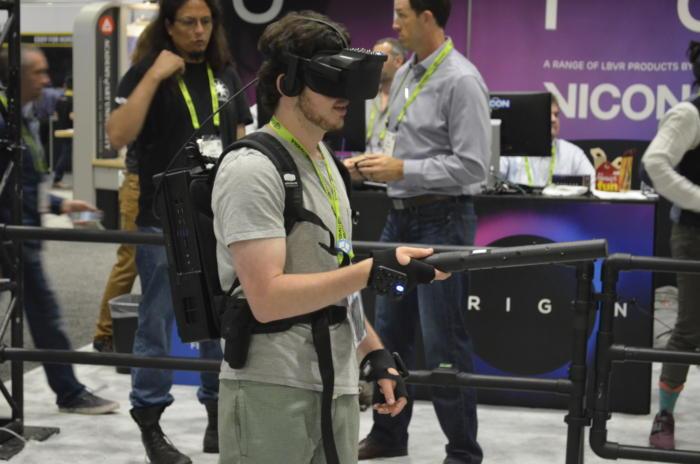 비콘은 토론토에서 열린 SIGGRAPH 2018에서 새로운 오리진 시스템을 시연했다.