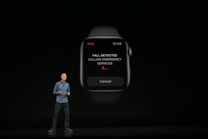 애플 워치 시리즈 4는 사용자가 넘어지는 것을 탐지할 수 있다.