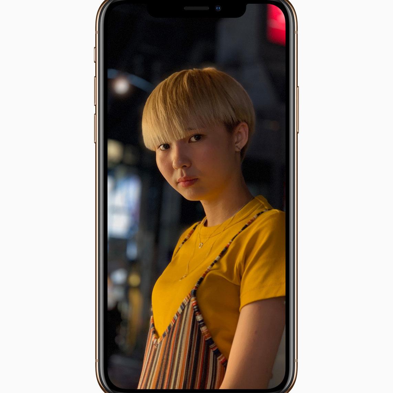 애플은 아이폰 XS의 인물사진 모드를 대폭 향상했다고 강조한다.