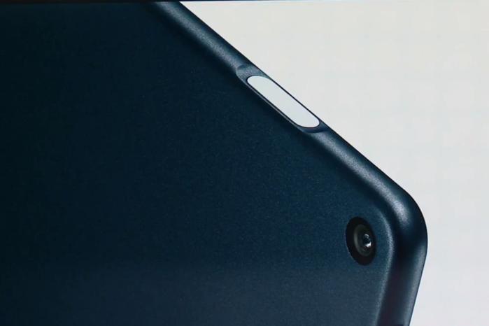 구글 픽셀 슬레이트에는 '픽셀 임프린트(Pixel Imprint)라는 이름의 지문 센서가 포함되어 있으며, 새로운 전원 버튼과 통합되어 있다.