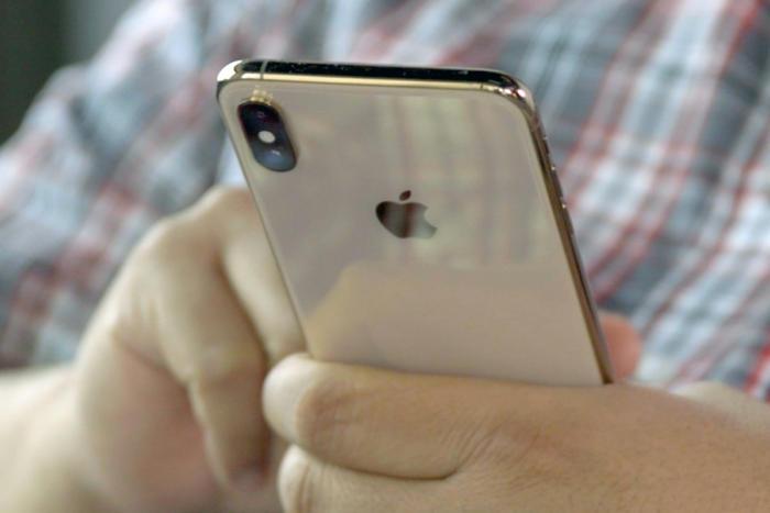 자연스럽게 아이폰을 가로모드로 많은 콘텐츠를 소비하고 있다.