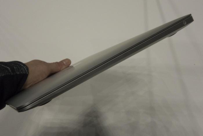 맥북 에어는 여전히 '웨지' 스타일의 디자인이다. MICHAEL SIMON/IDG